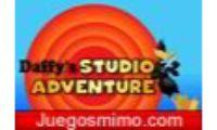 daffys studio adventure es un juego del pato lucas que tendras que ir con cuidado niños o niñas para no caeros al foso donde el pato lucas tendras miedo de los obtaculos.Divertiros con este juego de ingenio y habilidad con vuestro heroe mas famoso de la tele si os gustan los animales originales y la cartoon network.